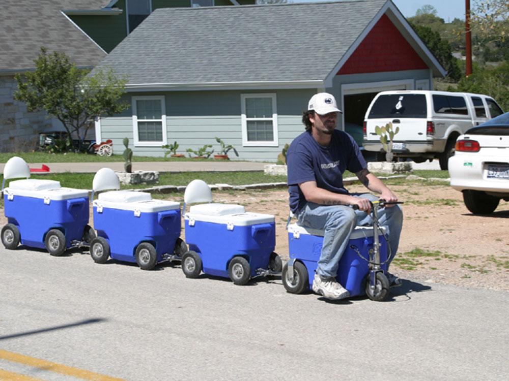 Cruzin Cooler Scooter 300w Blue
